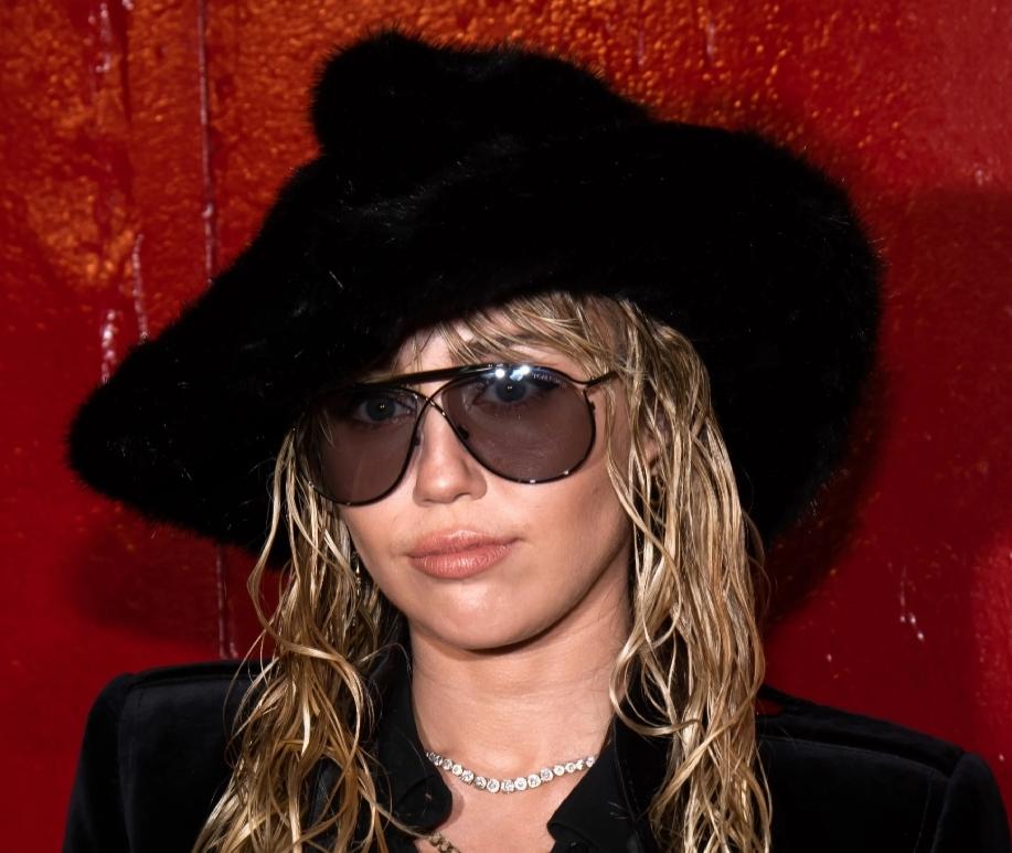Cody Simpson kiss: Miley Cyrus strikes at slut-shaming critics